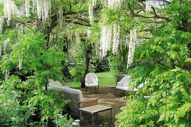 Garden rooms natural setting