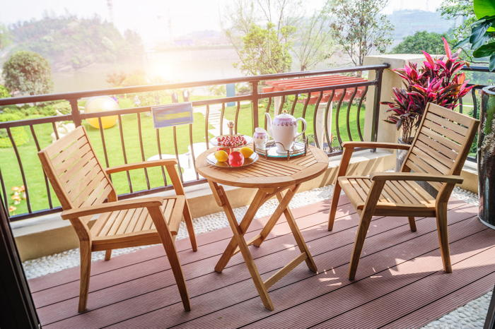 Materials that appear smaller will be great garden furniture for small gardens