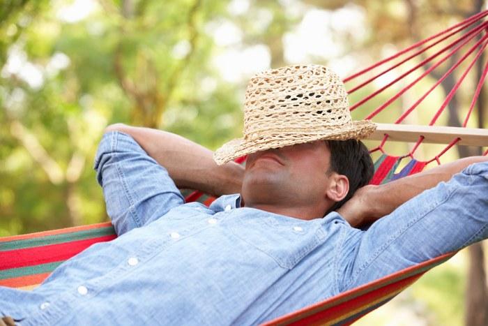 sleeping-man-hammock