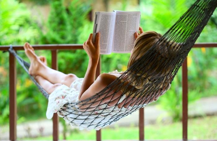garden-hammock-small